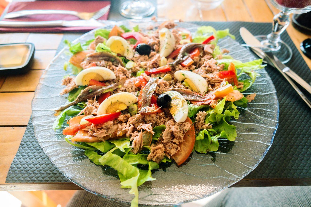 salade niçois im Le Bahia in Agay